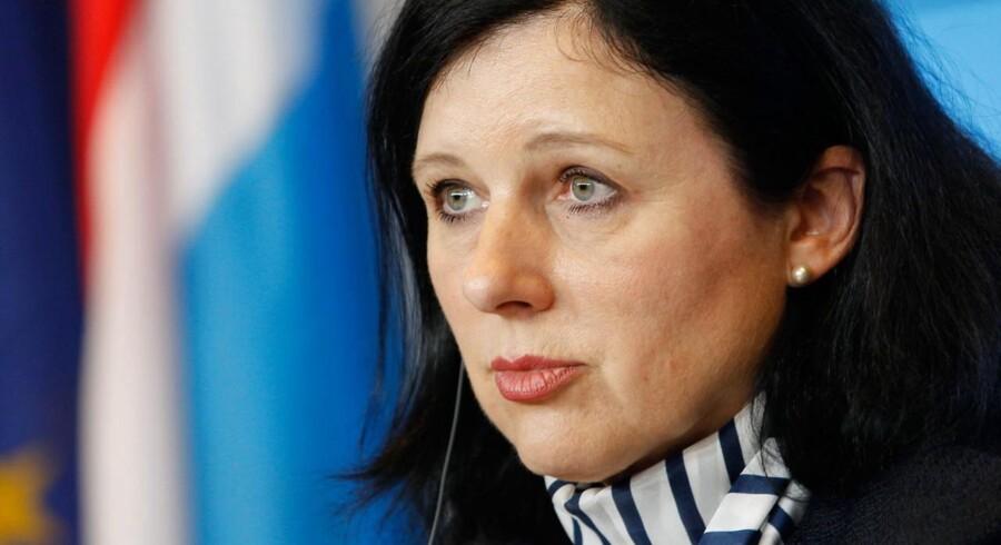 EUs justitskommissær, Vĕra Jourová, mener, at den nye dataudvekslingaftale, som stadig mangler at blive godkendt i Europaparlamentet og af de 28 EU-lande, i højere grad sikrer europæere mod misbrug af deres personlige data. Arkivfoto: Mathieu Cugnot, EPA/Scanpix