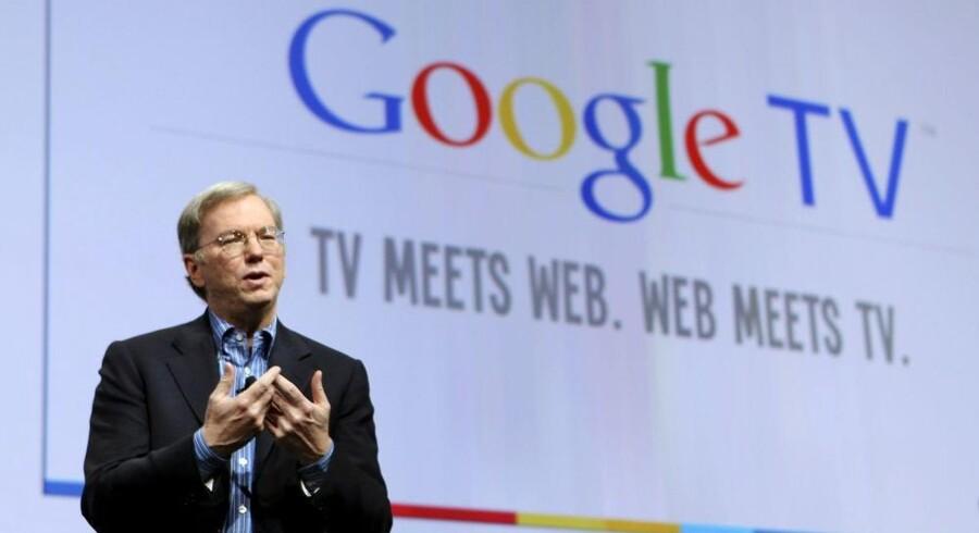 Topchef Eric Schmidt fra Google medgav, at det ikke er let at kombinere TV og Internet, men det vil Google gøre sammen med en række storproducenter af elektronik fra efteråret. Foto: Robert Galbraith, Reuters/Scanpix
