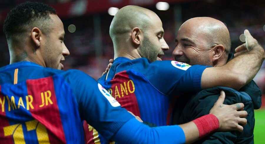 Mere end tyve af verdens største fodboldklubber - herunder Arsenal, Chelsea, Bayern München, Juventus og Barcelona – har indgået et samarbejde med et nyt, sociale medie, der er lanceret mandag.