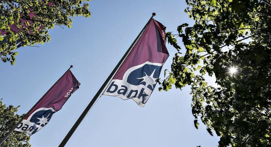 Spar Nord Bank, hovedsæde på Skelagervej i Aalborg. Pyramide med påtrykt Spar Nord.