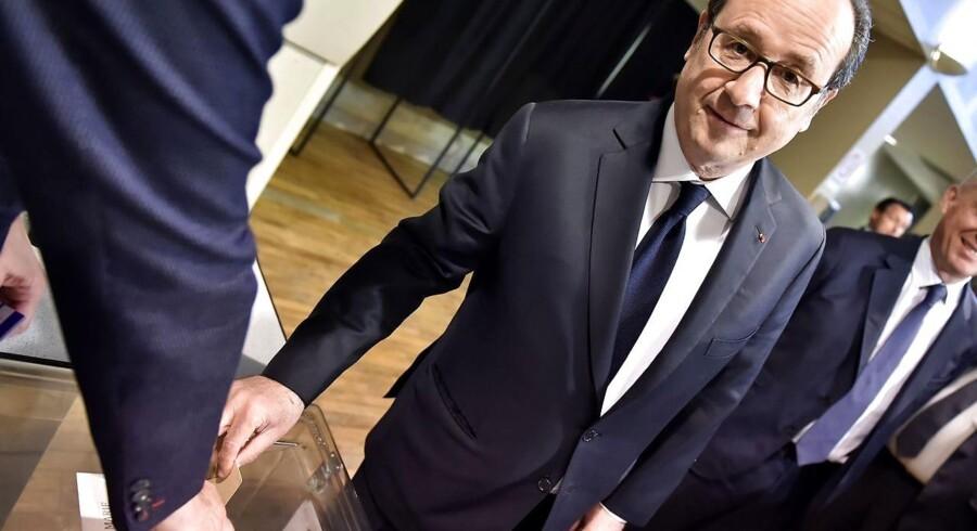 Den franske præsident, Francois Hollande, ses her ved præsidentvalgets første runde.