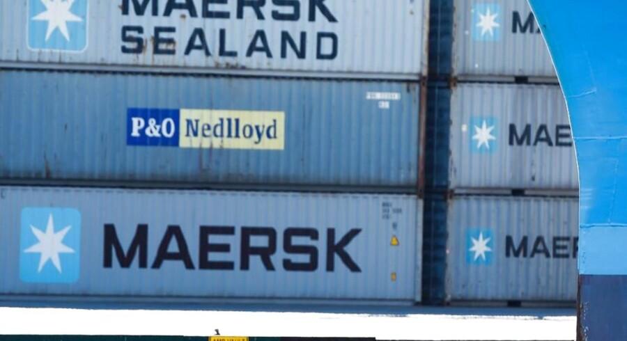 Mens bankerne ser ud til at være påvirket af spekulationer i forlængelse af det amerikanske præsidentvalg, så er A.P. Møller-Mærsk fortsat presset af de lave fragtrater inden for containertransport, og det har amerikanske Standard & Poor's bidt mærke i.