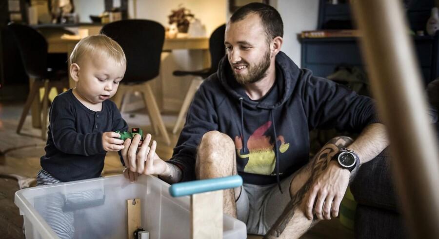 Sebastian Kofoed Larsen er på barsel med sin søn Vilfred på 11 måneder.