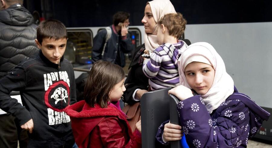 Regeringens bebudede stramninger af familiesammenføringsreglerne vil få store konsekvenser for de børn, som fremover må vente i konfliktzoner i tre år på at blive genforenet med deres famile, påpeger bl.a. Børnerådet.