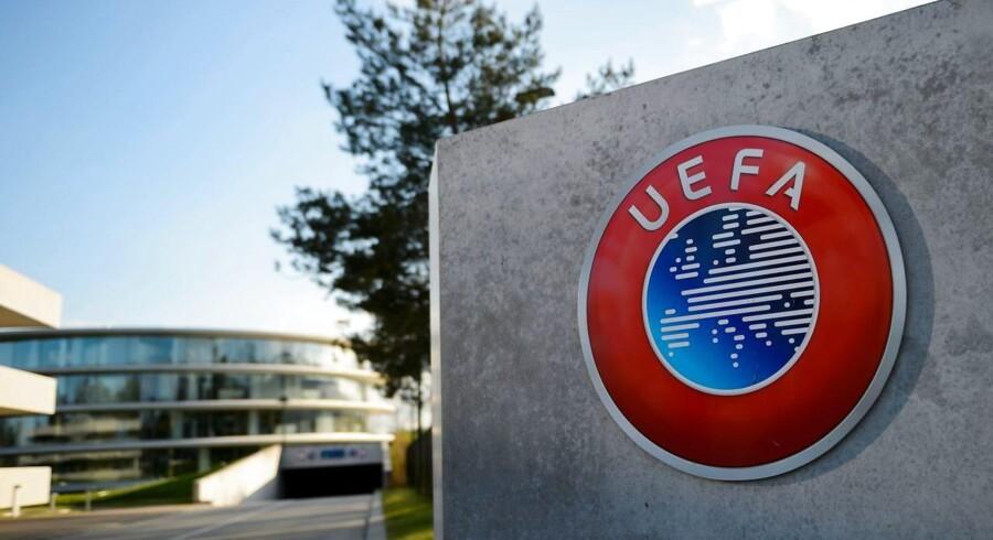 UEFA er bekendt med, at DBU har meldt afbud til kvindelandsholdets kamp mod Sverige fredag.