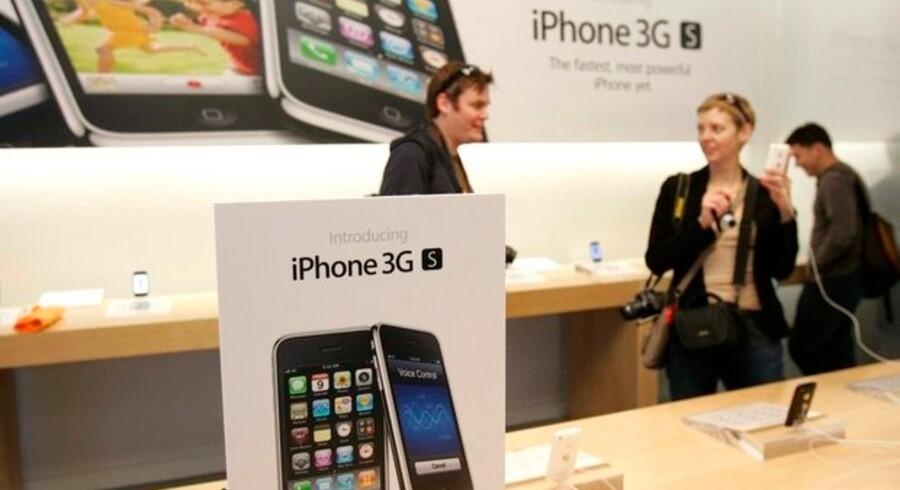 Apples nye telefon, iPhone 3GS, trak ikke samme køer som den oprindelige - men har dog alligevel solgt godt.