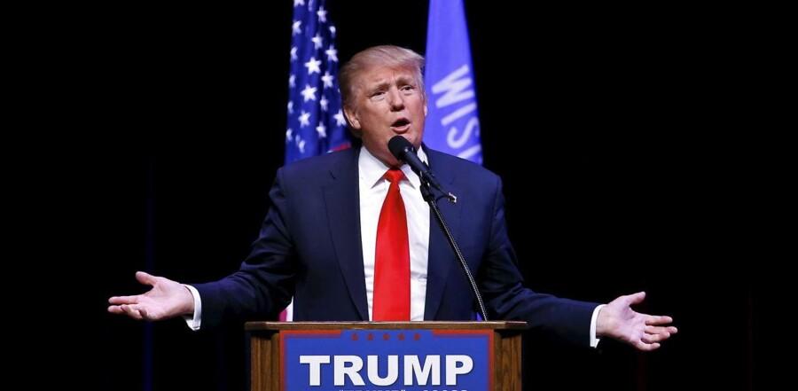 Donald Trump på talerstolen i byen Racine.
