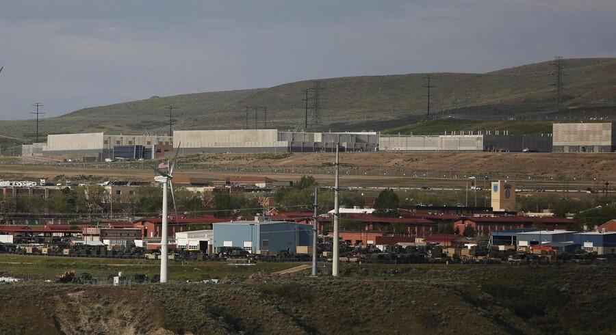 Grundlaget for en del af den omstridte, amerikanske efterretningstjeneste NSAs masseindsamling af data - her et af NSAs datacentre i Bluffdale syd for Salt Lake City i Utah - falder bort 1. juni, og politikerne strides om, hvad der så skal ske. Arkivfoto: Jim Urquhart, Reuters/Scanpix