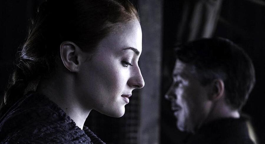 Sansa Stark (Sophie Turner) har været en af de største oplevelser i denne sæson. Her genforenes hun med Peter »Littlefinger« Baelish (Aidan Gillen) i det fantastiske femte afsnit. Foto: PR/HBO