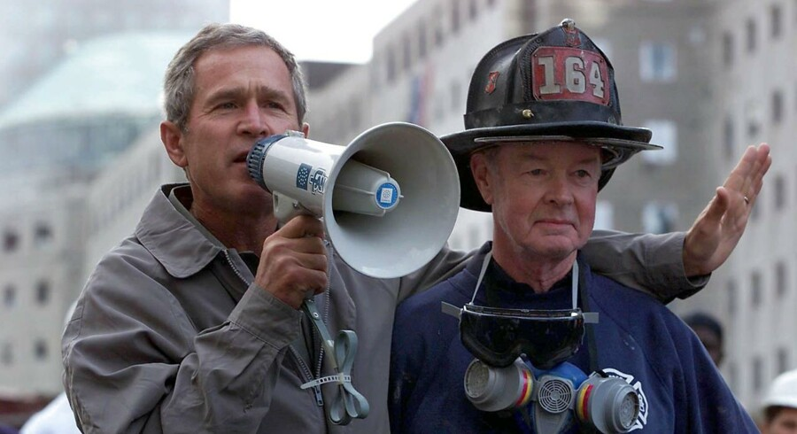 14. september 2001. Præsident Bush ved Ground Zero i New York.