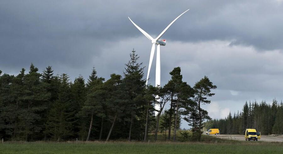 Vestas er klar til at lancere sin største landbaserede vindmølle til dato. Vindmøllen bliver 149 meter højt og hver vinge er 66,7 meter lang. Arkivfoto.