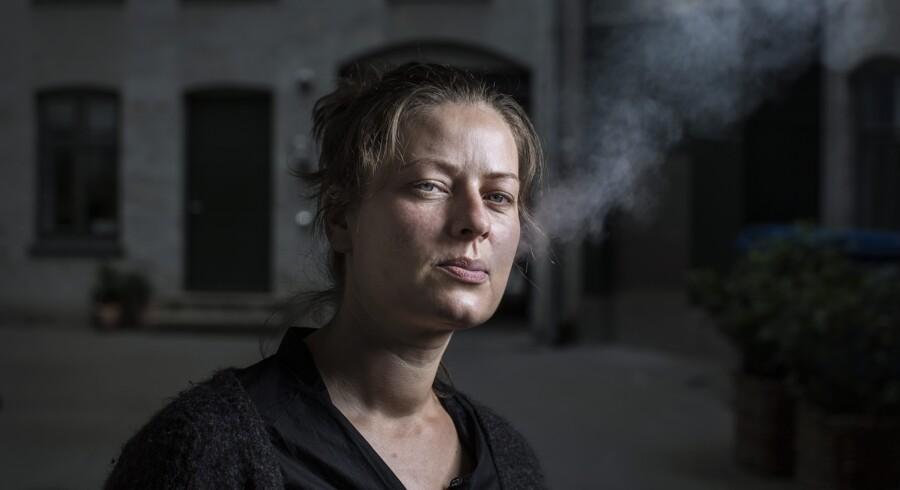Karina Pedersen har måske pyntet på sandheden om det kvarter, hun voksede op i. Men der er vide rammer for, hvad man kan tillade sig, når man udgiver noget i bogform, fortæller ekspert. Scanpix/Pr-foto: Niels Hougaard Hougaard