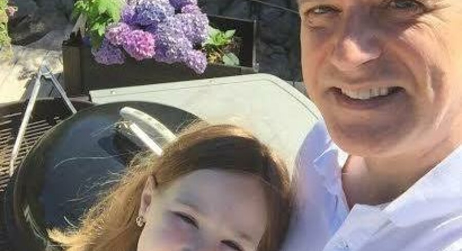 Henrik Engelbrecht: »Lige nu er jeg med datteren i sommerhus i Odsherred, og vi grillede faktisk pølser i går.« Foto: Selfie
