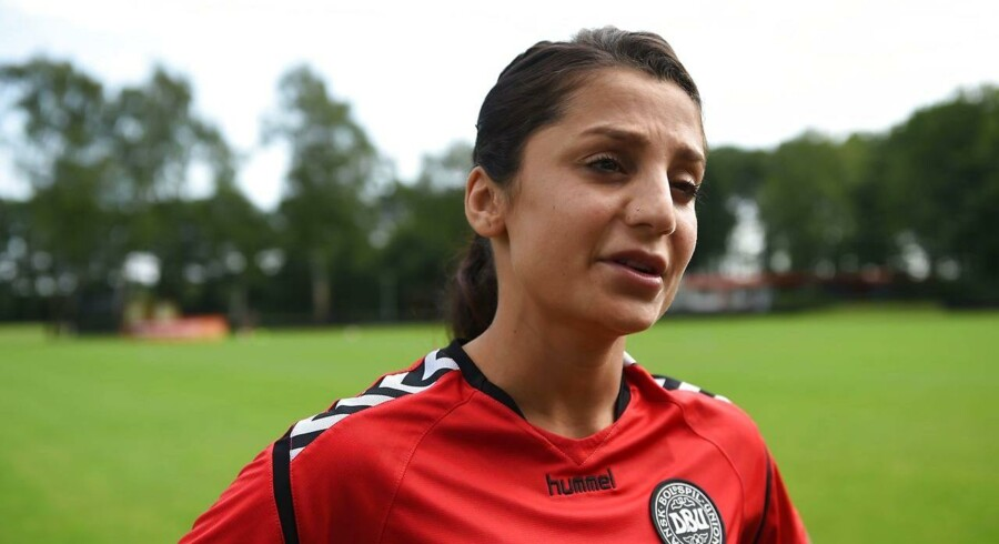 Nadia Nadim ved EM i fodbold. / AFP PHOTO / DANIEL MIHAILESCU