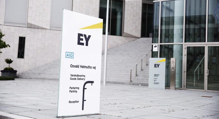 EY er i løbende dialog med en række virksomheder, som går med børstanker. »Vi oplever, at flere danske virksomheder ønsker rådgivning om børsmodning og børsnotering,« siger Claus Kronbak, partner i EY.