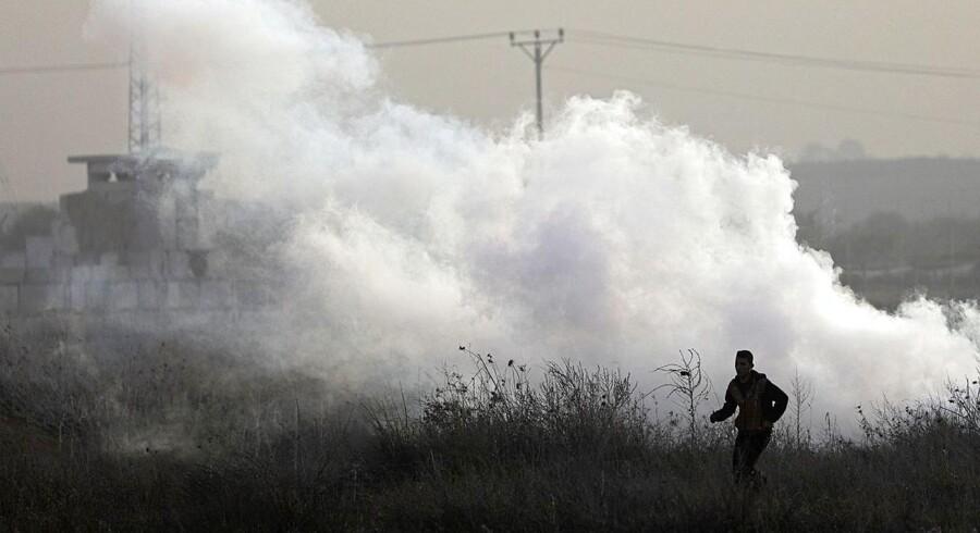 Flere højtstående medlemmer af Hamas er anholdt af israelerne, der tidligt onsdag har angrebet i Gaza.
