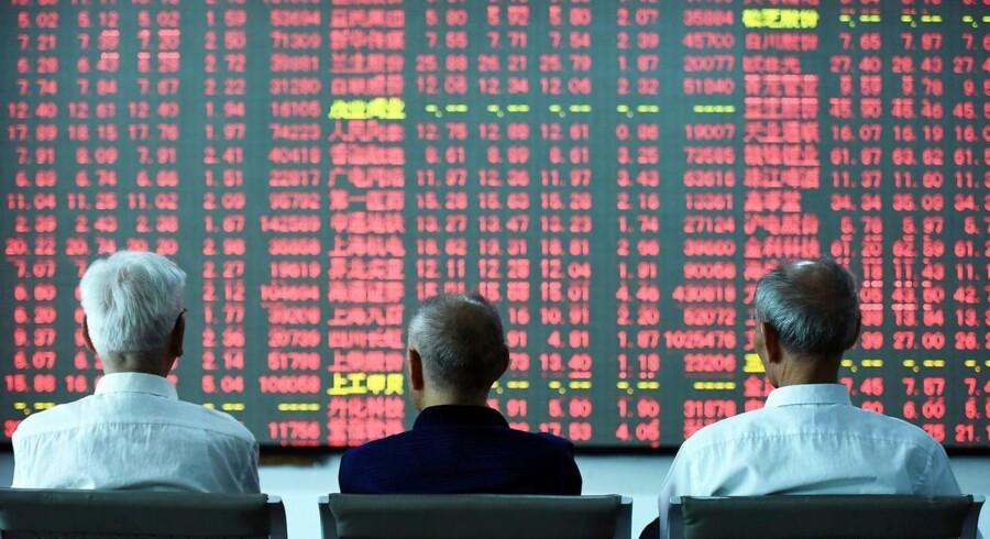 Arkivfoto. Der er mindre stigninger på de asiatiske børser tirsdag, hvor investorerne lader til at købe ind på en tro på, at Demokraternes Hillary Clinton er USA's næste præsident efter tirsdagens valg.