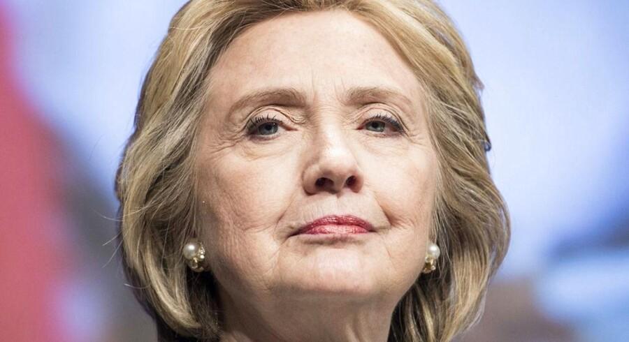 ARKIVFOTO. Hillary Clinton har endnu ikke afgjort, om hun kaster sig ind i kampen om at blive USAs næste præsident. Beslutningen træffer hun først sidst på året.