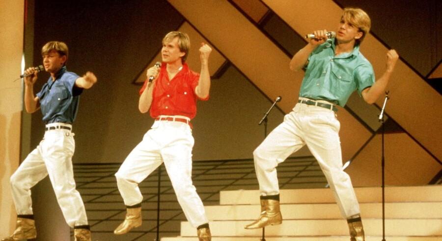 Den svenske drengepopgruppe, The Herreys - som blev øgenavngivet »de syngende deodoranter« - vandt Det Internationale Melodi Grand Prix 1984, da de sang sangen med det lidet forståelige navn »Diggi-Loo-Diggi-Ley«. Men hvilken, lidt særlig, religiøs gruppering tilhørte de tre brødre?
