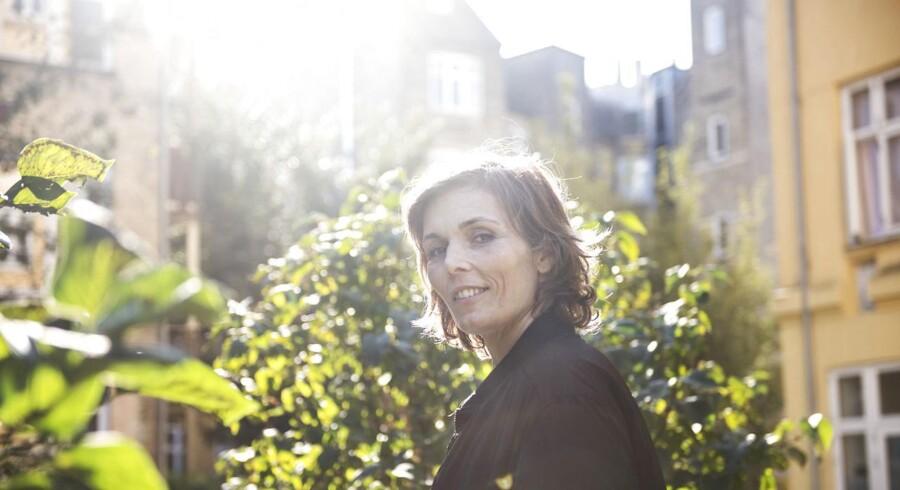 Med poetisk og historisk kompleksitet og overskud af internationalt format genfortæller Marstrand-Jørgensen 200 års Europa-historie gennem tre forskellige skæbner, skriver Berlingskes anmelder Merete Reinholdt.