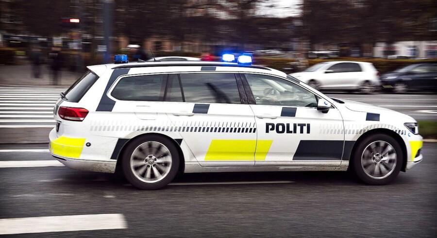 Arkivifoto: Politiet har tirsdag aften anholdt en 50-årig mand ved Tølløse og sigtet ham for trusler mod blandt andre sin egen datter.