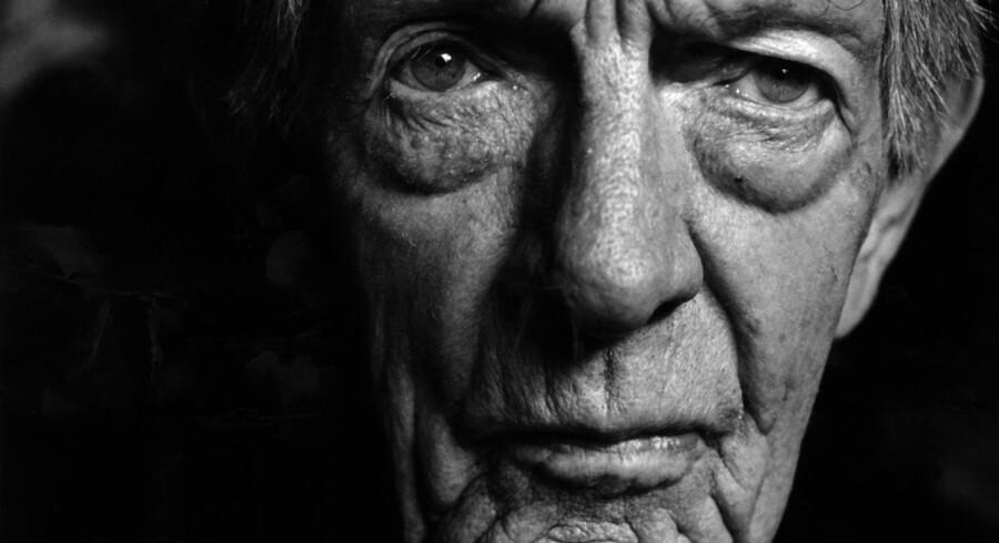Kjell Askildsen skriver i sin novellesamling »Venskabets pris« om tavse, knudrede mænd med tavse, knudrede fædre.