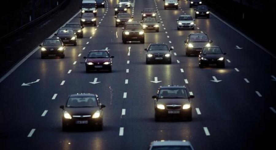 Det er dyr fornøjelse at holde en bil kørende i Danmark – men det kunne være endnu værre. Arkivfoto: Dennis Lehmann