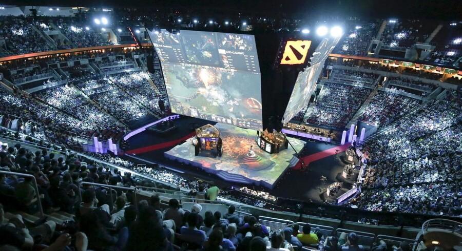 Lige nu spilles e-sportsturneringen The International i computerspillet Dota 2 i Seattle. Førstepræmien er 10 millioner kr.
