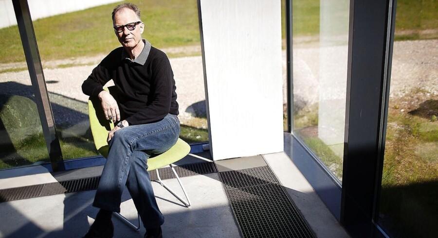 Kunstmuseet Arkens direktør, Christian Gether, har flere gange inviteret Alex Ahrendtsen til at besøge museet. Men DF-ordføreren har endnu ikke taget imod invitationen, siger han.