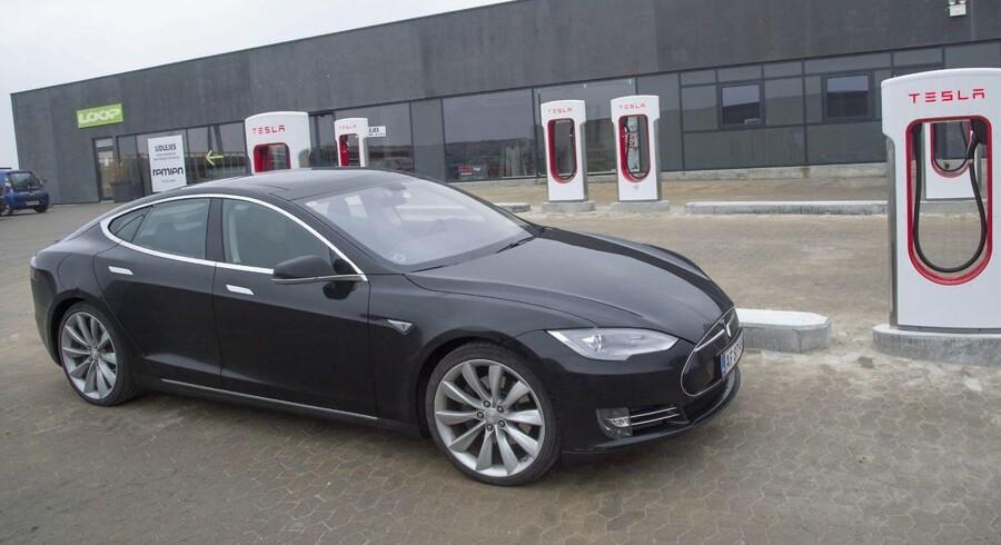 ARKIVFOTO 2015 af Tesla elbil
