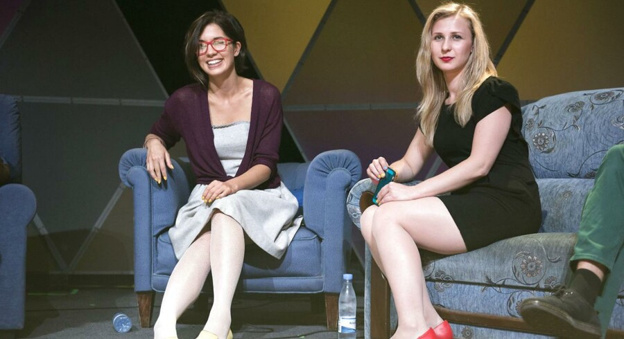 Fredag den 4.juli . Pressemøde med Pussy Riot. Nadya Tolokonnikova (tv.) og Masha Alyokhina fra Pussy Riot.