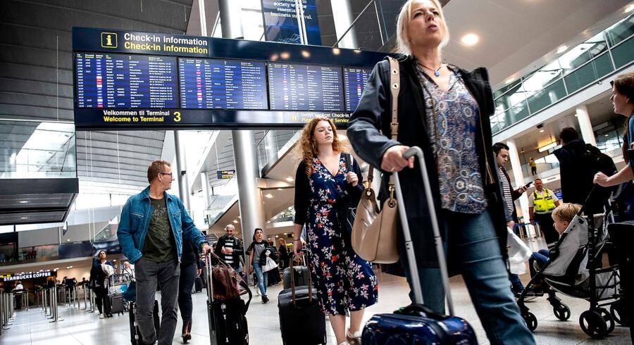 »Konflikten i lufthavnen er besynderlig, men debatten og mediernes fokus er længe ventet. Det er på høje tid, at de beskidte kneb og den her groteske form for voksenmobning kommer frem,« skriver Søren Fibiger Olesen.