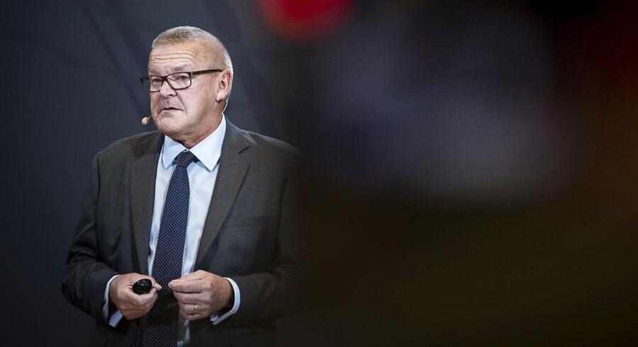 Nationalbankdirektør Lars Rohdes seneste konjunkturvurdering bygger på en antagelse om yderligere rentenedsættelser og nogenlunde uændret offentlig beskæftigelse. Det er mere interessant end udsigterne for den økonomiske vækst.