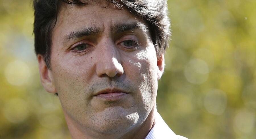 »Det, jeg gjorde, sårede dem. Jeg sårede mennesker, som ikke skal udsættes for intolerance og diskrimination på grund af deres identitet,« siger Trudeau.