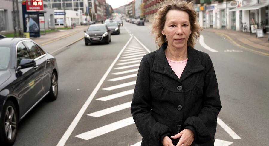 61-årige Jonna Nielsen advarer om vanvidskørsel på Frederiksborgvej i Nordvestkvarteret i København – her i det såkaldte Femfingerkryds ved Frederiksborgvej og Rentemestervej.