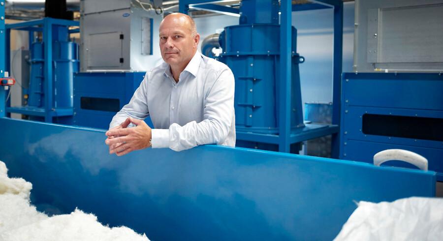 Adam Foss er ejer og direktør af virksomheden Fossflakes, der producerer puder af kunstig sne. Han mener ikke, at en længere afdragsordning på arveafgiftsbetalingen er løsningen på en hårdere beskatning. Arkivoto: Bo Amstrup