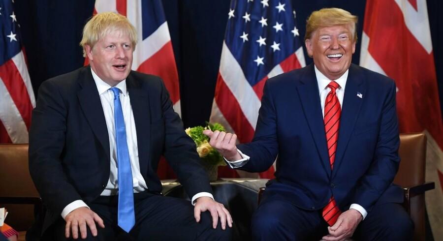 »Den politiske kultur i de fleste vestlige demokratier er sat på en stresstest. Ikke mindst når forstandige, mainstream-politikere og mediefolk springer ud som populist-verstehere og forsvarer Trump og Johnson mod kritik og dæmonisering. (...) Det er en frikendelse af populisterne som en trussel mod demokratiet,« skriver Samuel Rachlin.