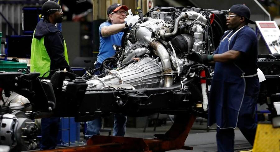 Beskæftigelsen i amerikanske industrivirksomheder vokser ikke længere som følge af handelskrigen med Kina. Men forbrugerne har det godt, og servicesektoren er fortsat en vækstdynamo.
