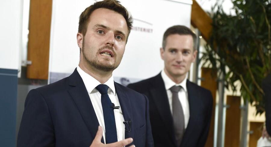 Erhvervsminister Simon Kollerup (S) ser gerne, at der kommer flere medarbejderejede virksomheder i Danmark.