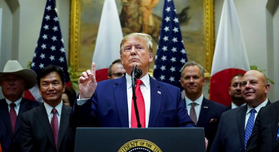 »Med sin mistænkeliggørelse af Biden har Trump allerede opnået at eliminere sin pt farligste konkurrent, for uanset hvordan det forholder sig, er der nu kastet snavs på Biden, som vil hænge fast,« skriver Per Stig Møller.