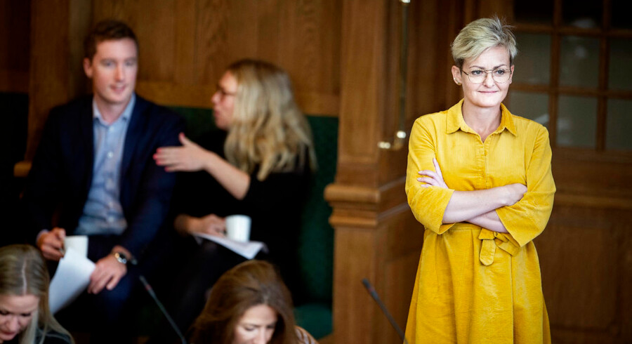 Børne- og undervisningsminister Pernille Rosenkrantz-Theil blev forleden kritiseret på sociale medier for manglende forståelse for eget område. Så gik hun til modangreb og kritiserede manden for at være mand.