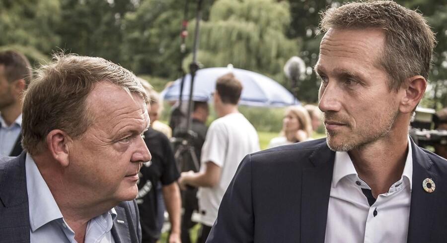 »Selvfølgelig kan Lars Løkke Rasmussen og Kristian Jensen også kandidere til den slags poster de kommende år – og forhåbentlig vil det ikke komme dem til skade, at de har et aktivt medlemskort i Venstre, som det ikke er kommet Carsten Koch til skade, at han var og er erklæret socialdemokrat,« skriver John Wagner, der foreslår, at tidligere toppolitikere i højere grad bruges til eksempelvis ambassadørposter.