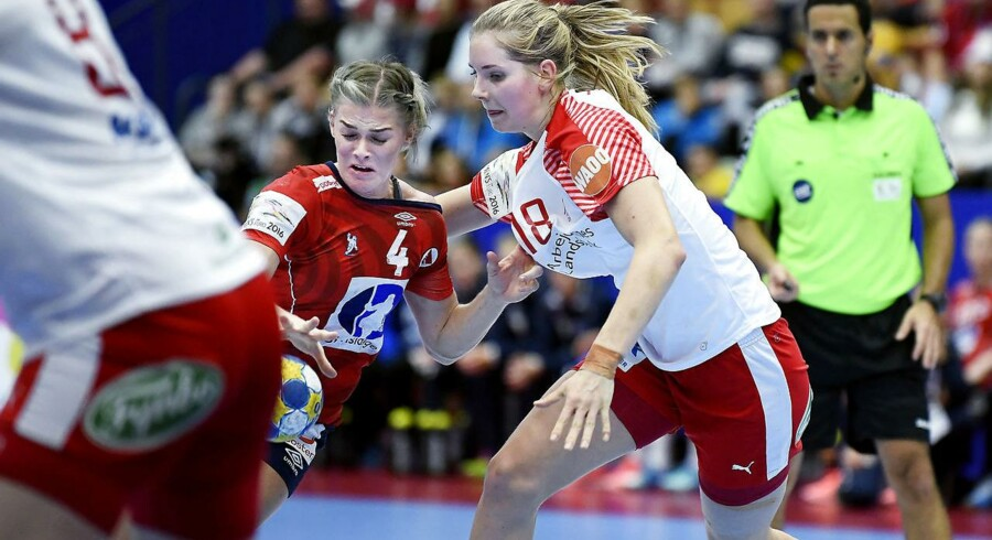 Danmark har svært ved at slå nordmændene i kvindehåndbold. Men når det gælder de to landes konkurrenceevne, går det noget bedre, viser ny rapport.