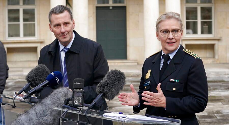 Justitsminister Nick Hækkerup (S) og politidirektør Anne Tønnes fra Københavns Politi præsenterede torsdag en række initiativer, der skal styrke trygheden og sikkerheden i det offentlige rum.