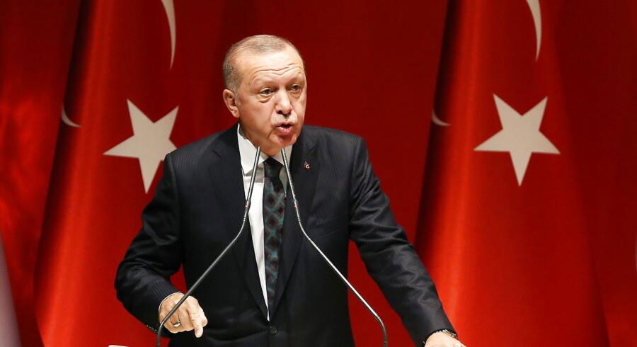Tyrkisk moské skulle ikke have postet et Facebook-opslag, der indikerede støtte til den offensiv, som Tyrkiets præsident Recep Tayyip Erdogan (foto) forleden iværksatte mod kurdere i Syrien. Det siger bestyrelsesmedlem i statskontrolleret tyrkisk moské i Odense efter kritik.