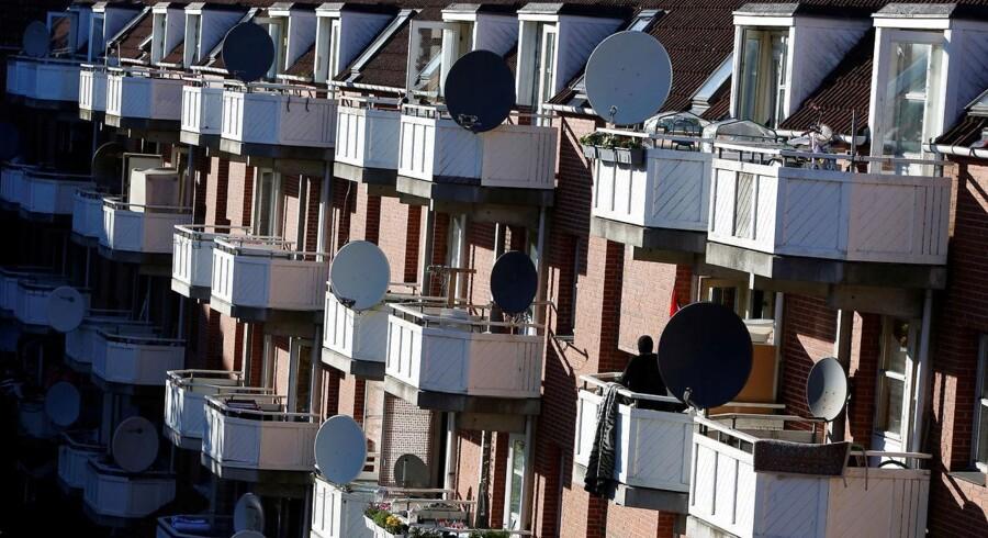 »De såkaldte ghettolister betyder, at boligselskaberne i København er nødt til at leje ud efter bestemte kriterier. (...) I visse boligområder betyder det helt konkret, at alle i en husstand mellem 15 og 64 år skal have en gennemsnitlig indkomst på 19.556 kr. om måneden før skat, medmindre man er under uddannelse,« skriver Steen Søndergaard Thomsen.