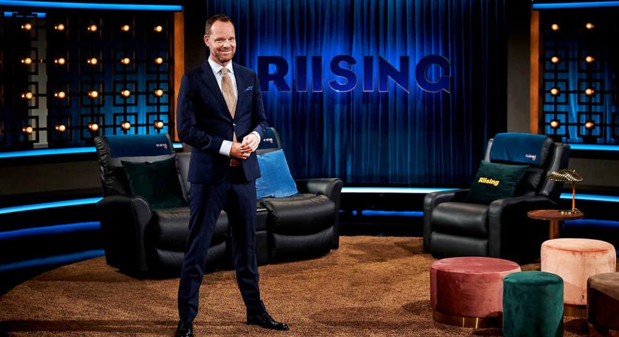 Måske syntes DR, at de havde tygget så længe på tyggegummiet, at det skulle spyttes ud. Så blev Jacob Riising fyret. Det kommer så Kanal 5 til gavn.