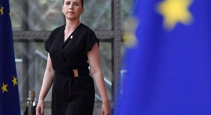 Mette Frederiksen er ikke kendt som en lige så EU-begejstret S-statsminister som forgængeren Helle Thorning-Schmidt. Og i et interview med Jyllands-Posten flyder det da heller ikke over med anprisninger af EU-samarbejdet fra Frederiksens side.