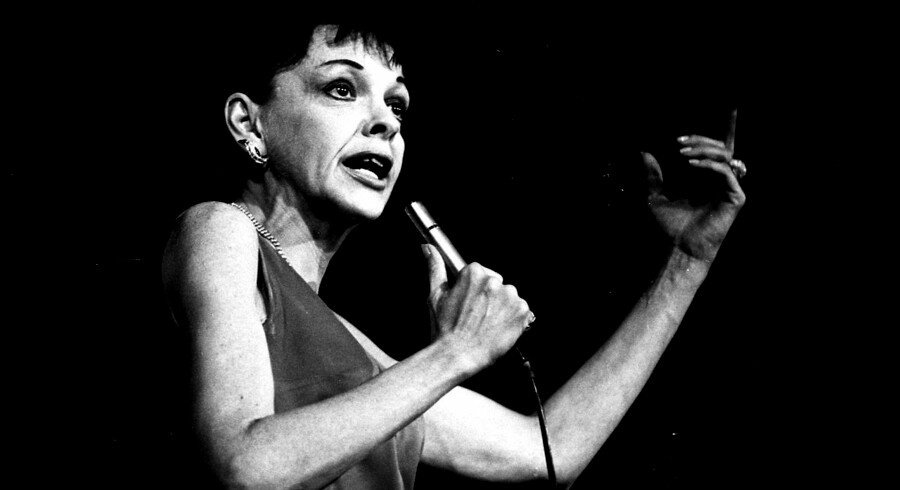 Judy Garlands sidste koncert fandt sted 25. marts 1969. Hvor? I Falconer på Frederiksberg, såmænd. Tre uger senere var hun død. Hun blev 47 år gammel.
