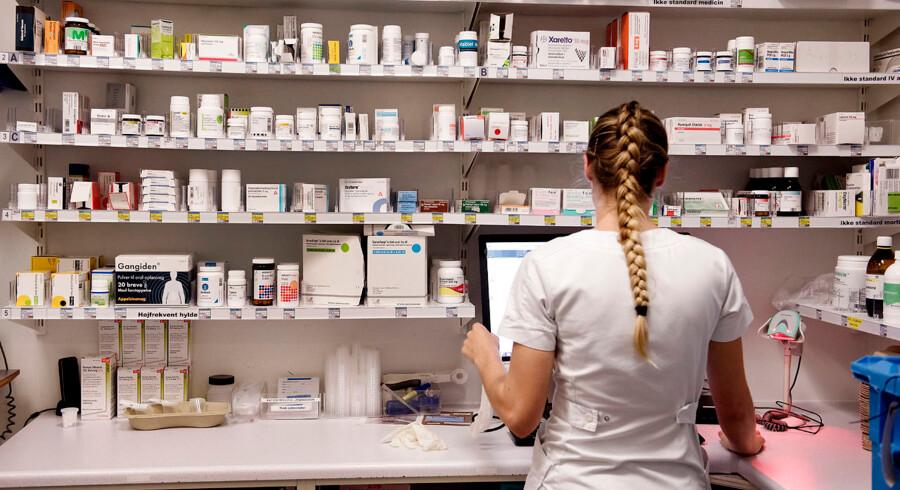 Patienter må stadig hyppigere gå forgæves på apoteket efter receptpligtig medicin, som viser sig at være udgået og i restordre. Flere oplever også, at prisen på deres medicin pludselig stiger kraftigt.